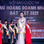 Lê Thị Ngọc Yến – khoe dáng xinh tươi tại Họp báo Nữ hoàng Doanh nhân Đất Việt 2021